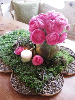 Its time to start thinking about summer entertaining. It might still be too cold do dine outside, but this centerpiece can give you a jump start indoors. Let the partys begin!