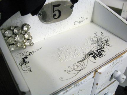 I didnt know what to do with my cute little notion box until today. I already had painted it white... but was stuck....