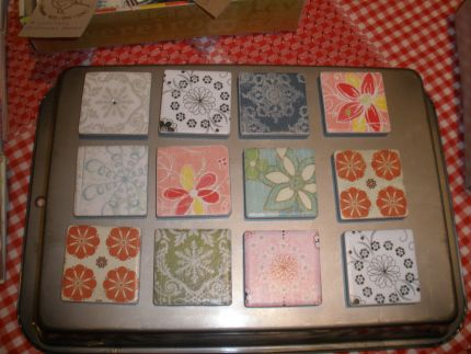 put some ceramic tiles decorated with fish around the