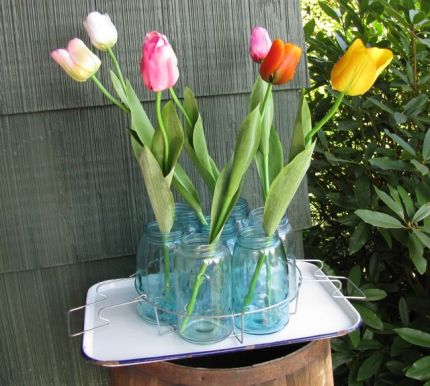 OK, so theyre fake. But I do have some tulips open. (I looked and looked before finally finding a canning rack at Goodwill.)