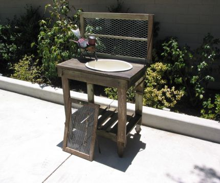 Picket Potting Bench