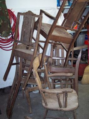 Another Auction find.  A Pile of 7 antique chairs for $9.00.  I also went on craigs list the next day for the first time.  Wow what a great site.  I scored 5 chairs for free.  Now I really have work to do, 12 chairs to give some blue and new paint!