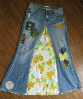 Made from recycled jeans, recycled vintage fabrics.