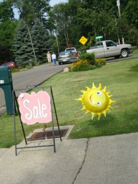 A hot sunny day for our FIRST Annual Vintage Market Day...my neighborhood will never be the same!