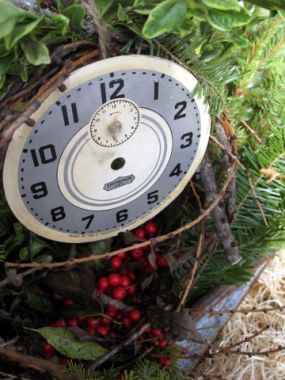 I love whimsical arrangements and extra clock parts are oh so fun to work with when designing for the holidays.