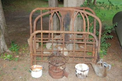2 headboards, 1 footboard, enamel  pots, watering can and an old birdcage - SCORE!!