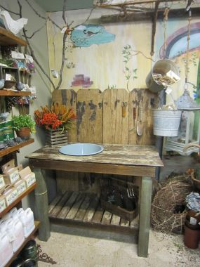 Incredible Reclaimed Materials Potting Bench Junkmarket Style Ibusinesslaw Wood Chair Design Ideas Ibusinesslaworg