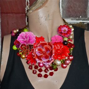 red flower love for Olive, the first necklace view C