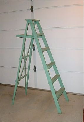 I really liked this old wooden ladder, especially the back. I wanted to use it for something fun.