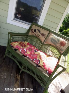 The color of this vintage wicker set was ideal for this porch. A match made in heaven.