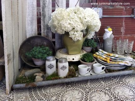 Creative tablescaping add tons of personality when you are entertaining friends and family. Grab some junk and get going!!
