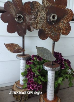 White and rust mixed with garden flowers. Yum!