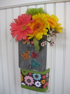 A dressed up mailbox makes a delightful spring bouquet.